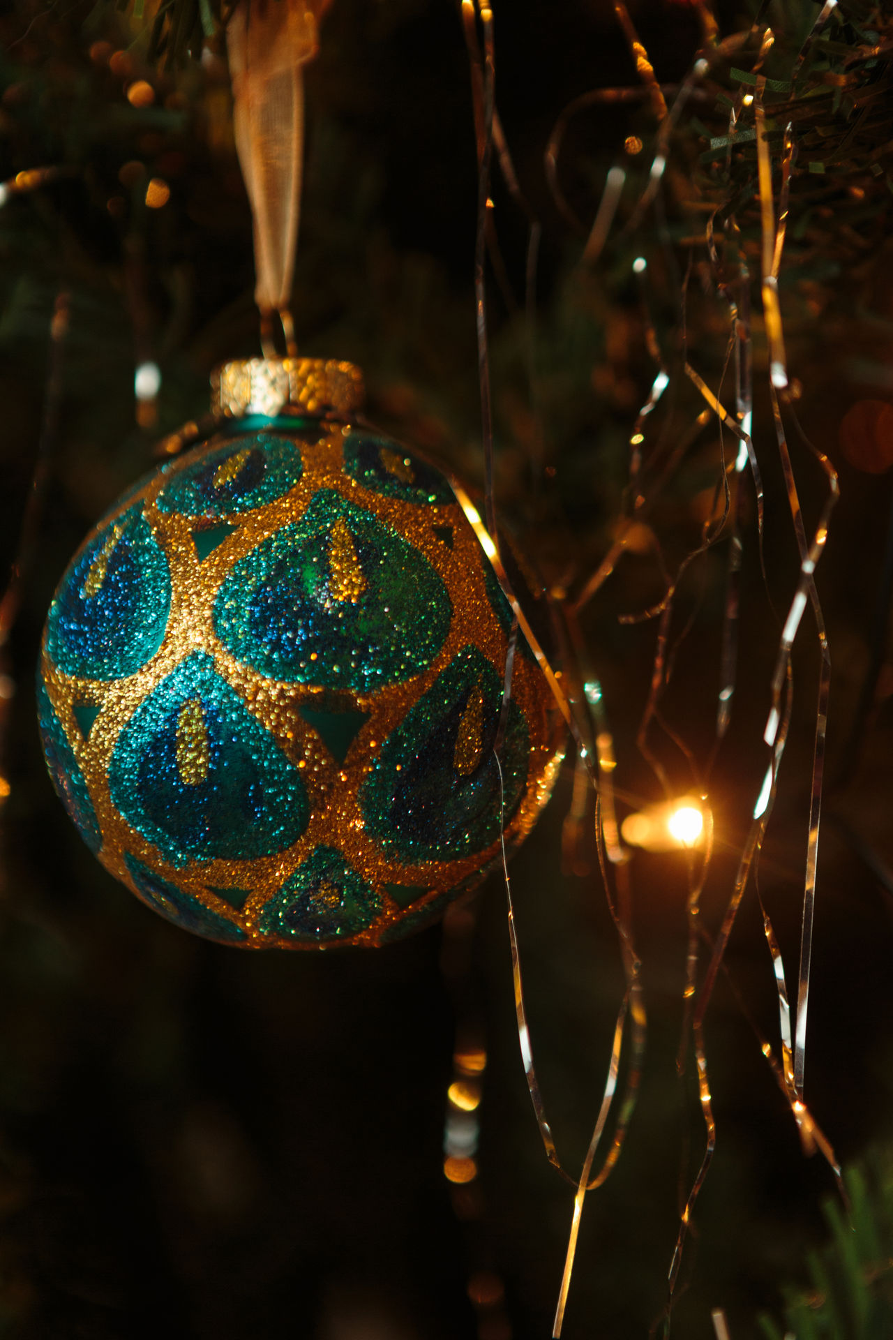Christmas Bauble Christmas Decorations Christmas Decorations Christmas Lights Christmas Tree Christmastime Festive Greetings Christmastree Christmaslights Chriatmas Christmas Time Photographer For Hire Festiveseason Feative Canon 24-70 Canon5Dmk3 Christmas Cards Festive Mood Festive Season Photographerforhire Focus On Foreground MerryChristmas Celebration Glowing Merry Christmas
