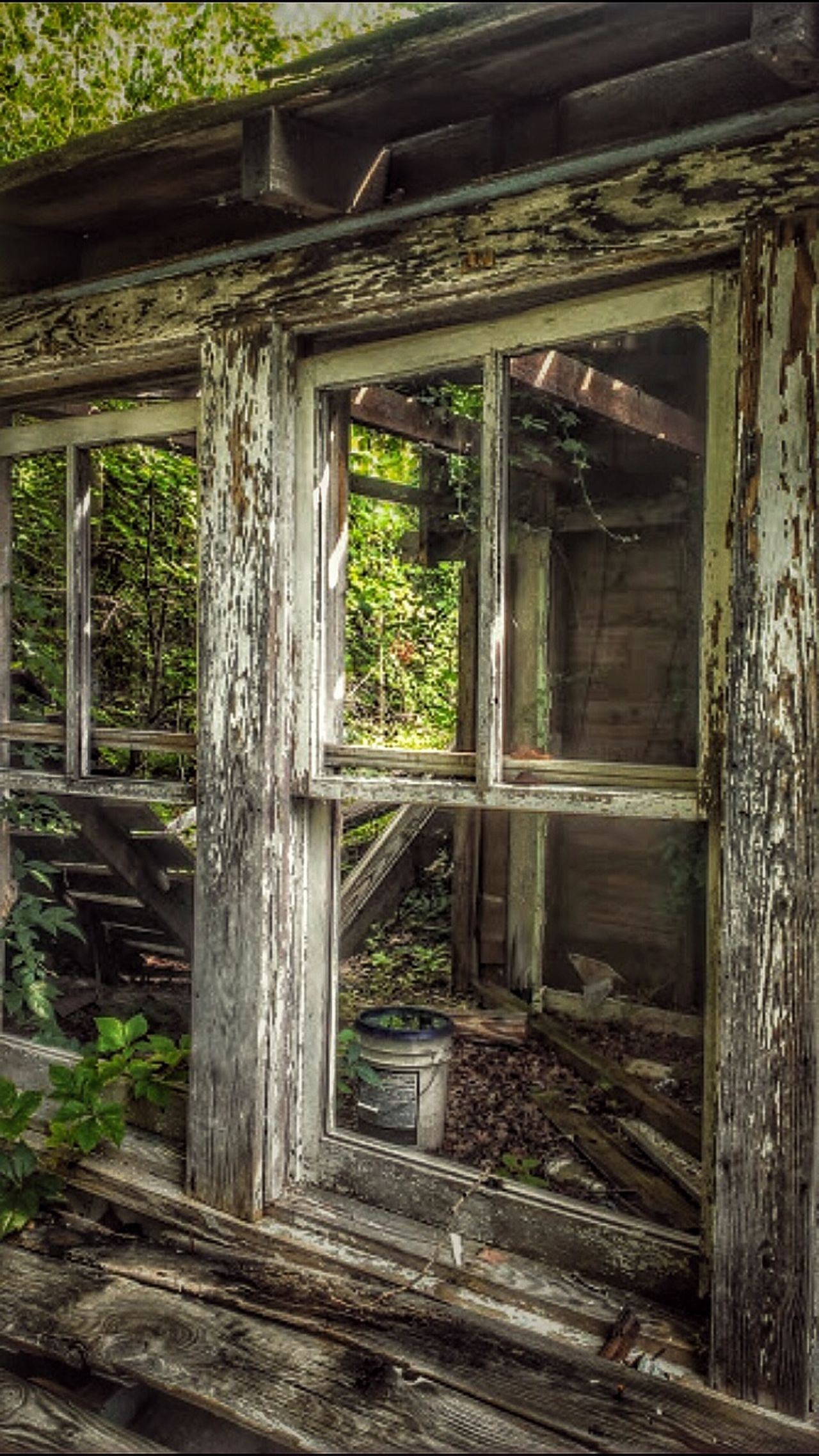 A View To A Kill Broken Window Building Exterior Wood - Material House Built Structure Abandoned Abandoned Places Rural Exploration Tresspassing For Art Rural Decay Rural Scene Rural America Abandoned Buildings AMPt - My Perspective Abandoned & Derelict Window Creepy Atmoshpere Weathered Residential Building