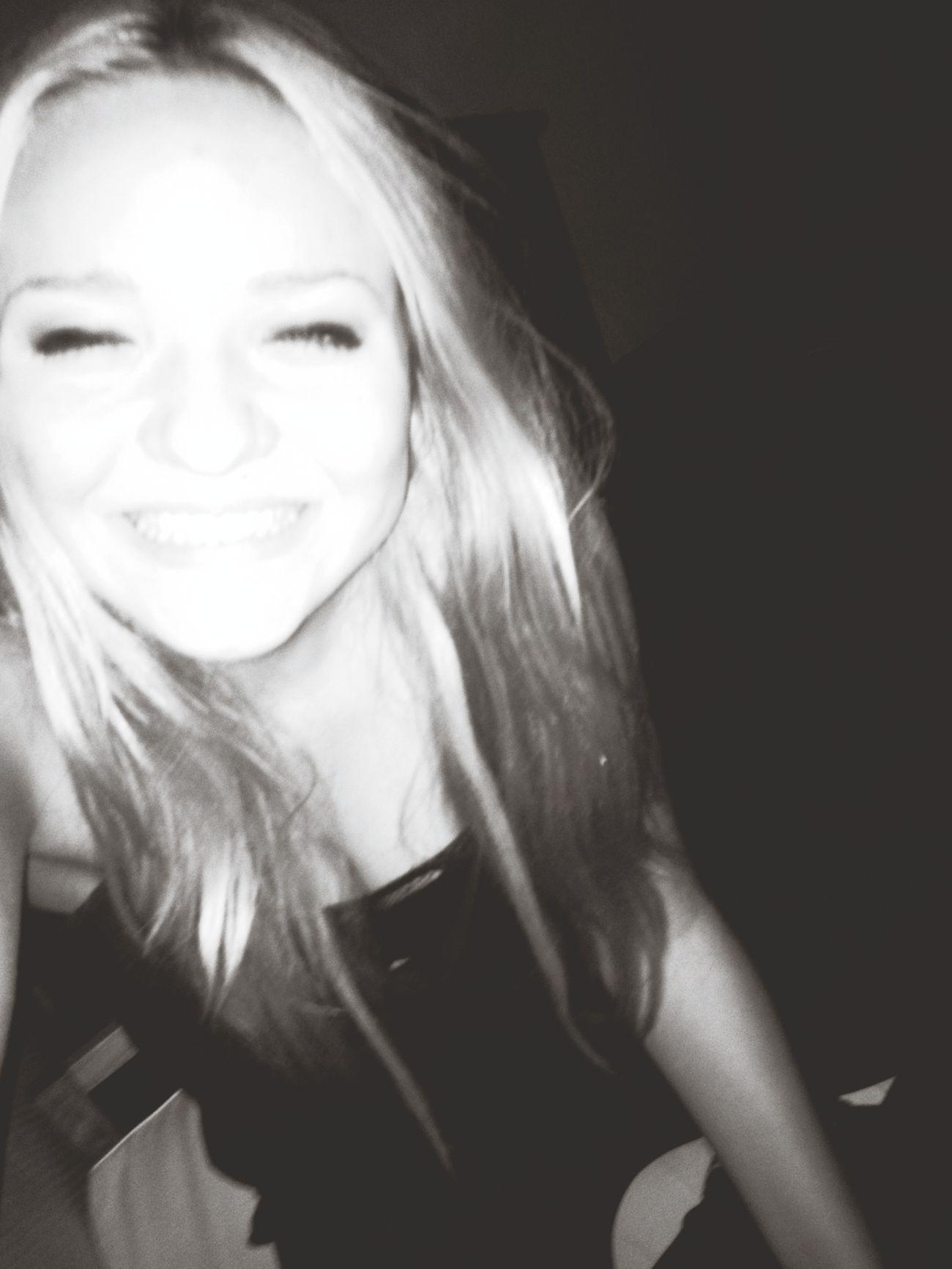Menschen im besoffenen Zustand sind voller Liebe Drunken Big Smile Happy