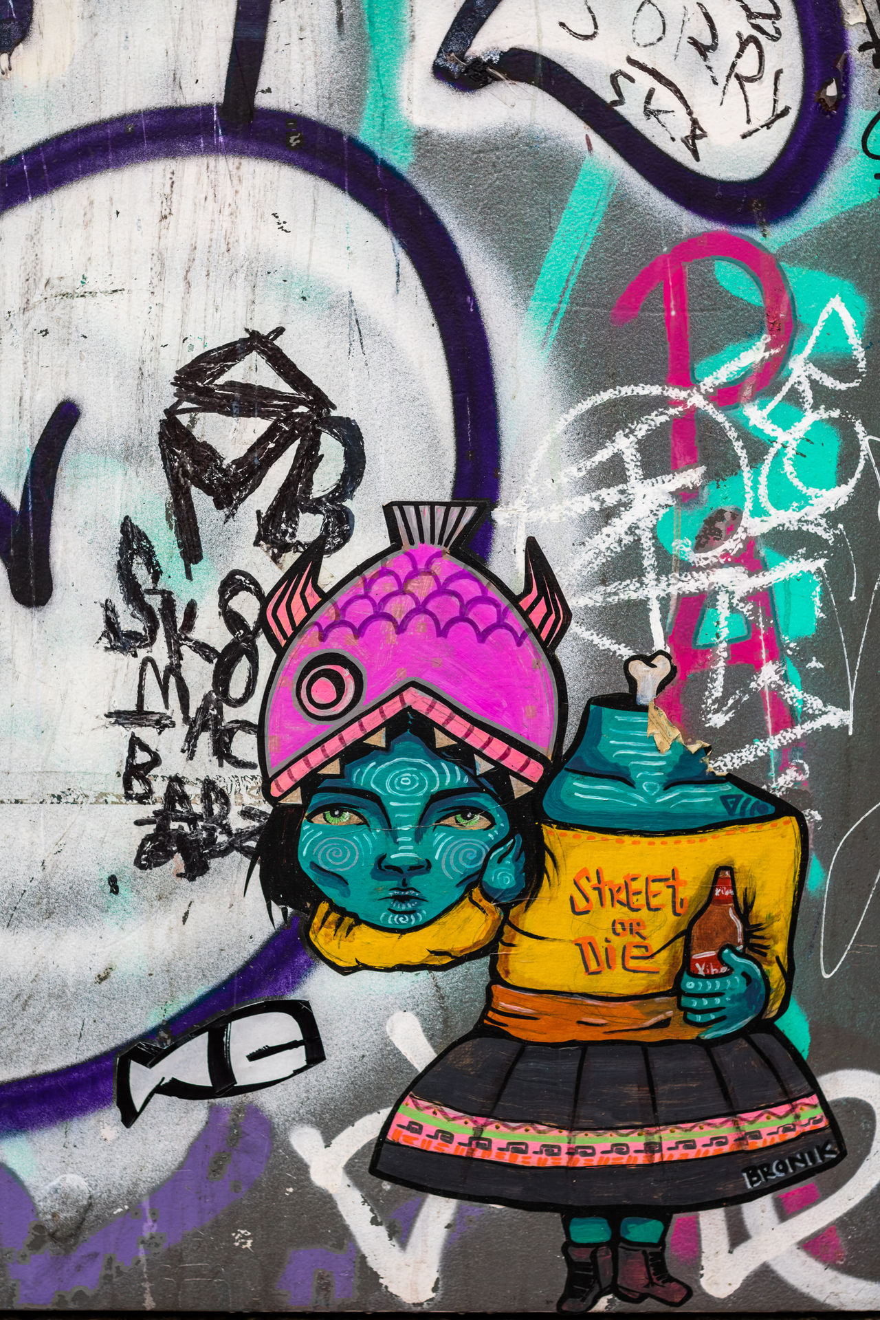Artwork by BRONIK Graffiti Multi Colored Creativity Art And Craft Drawing - Art Product Close-up Text No People Outdoors Day Wall - Building Feature Street Art City Street Print Made With Paper Stick Intervention Cultures Portrait Of A City Barcelona Street Photography Textures Of Barcelona Grafitti Stencil Architecture Millennial Pink