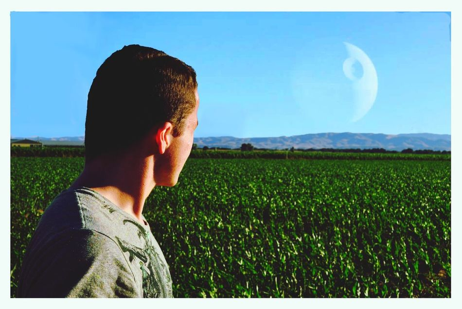 Anyone else remember when the Death Star would pass by earth? It was really cool to see. Too bad the rebels blew it up Star Wars Death Star