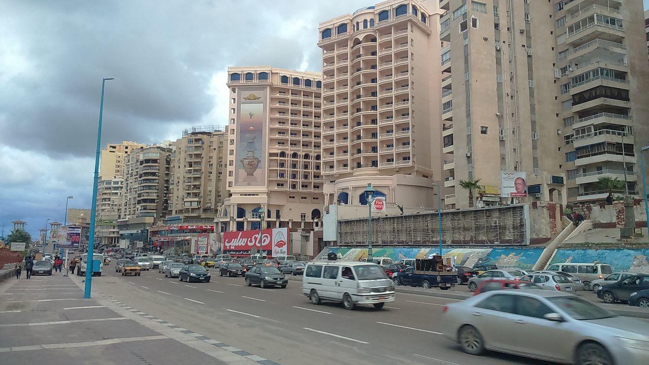 Beautiful stock photos of uhren, city, building exterior, car, architecture