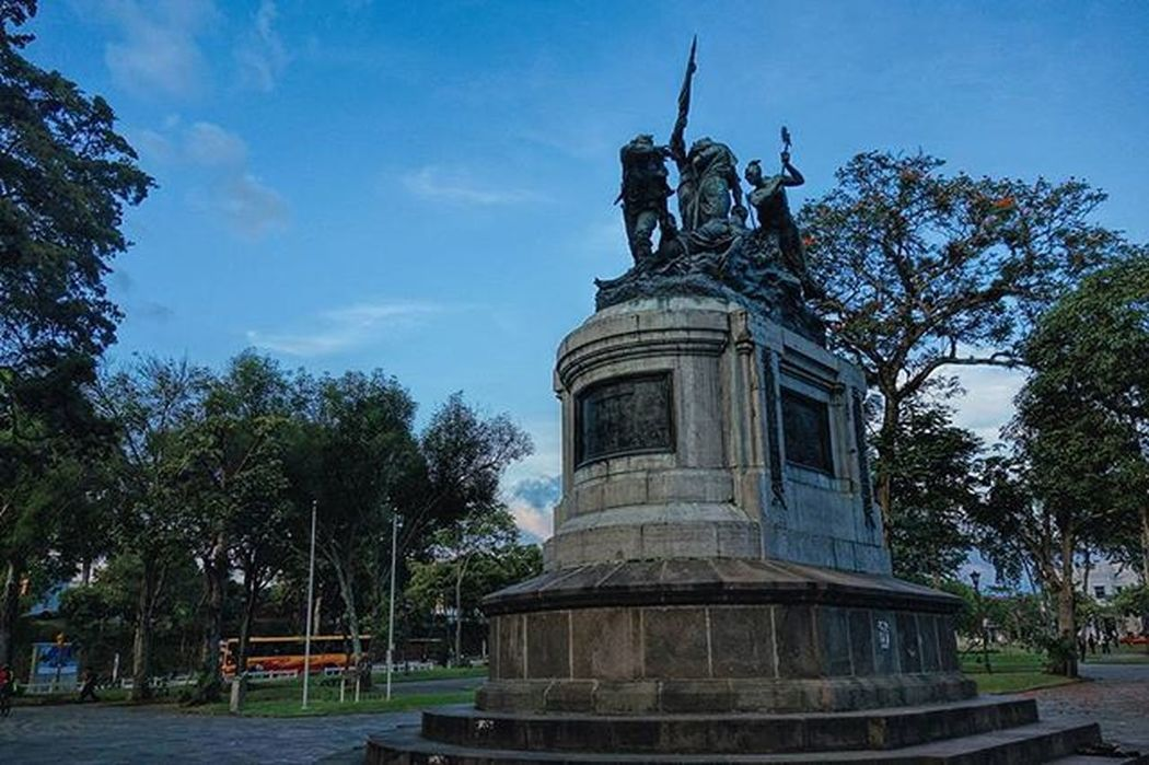 El monumento completo Sanjosé ParqueNacional Costarica Monumento Monument Rx100 Sonyrx100 Photography Fotografia Memorial Centroamerica Centroamericanos 1856 Filibusteros Batallarivas Batallasantarosa