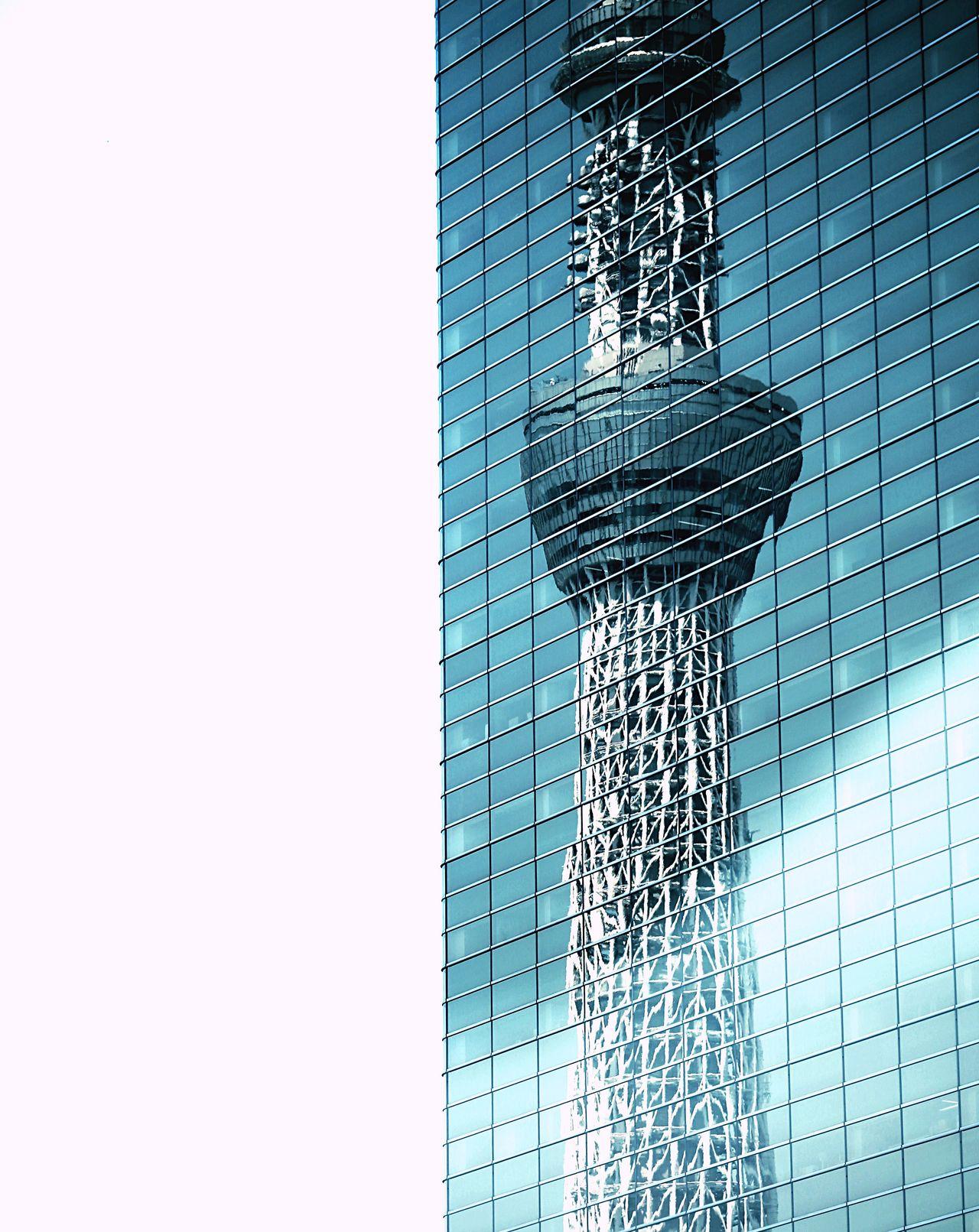 Tower in mirror. Taking PBuildingiHighrisegTokyo SkyyBlueyCityscapessCitysArchtectureeLandscapedBeautifuluLight And ShadowsReflectioneGlass Japan Tokyo Sky Treey TrAsakusasThe Architect - 2016 EyeEm AwardsAwards