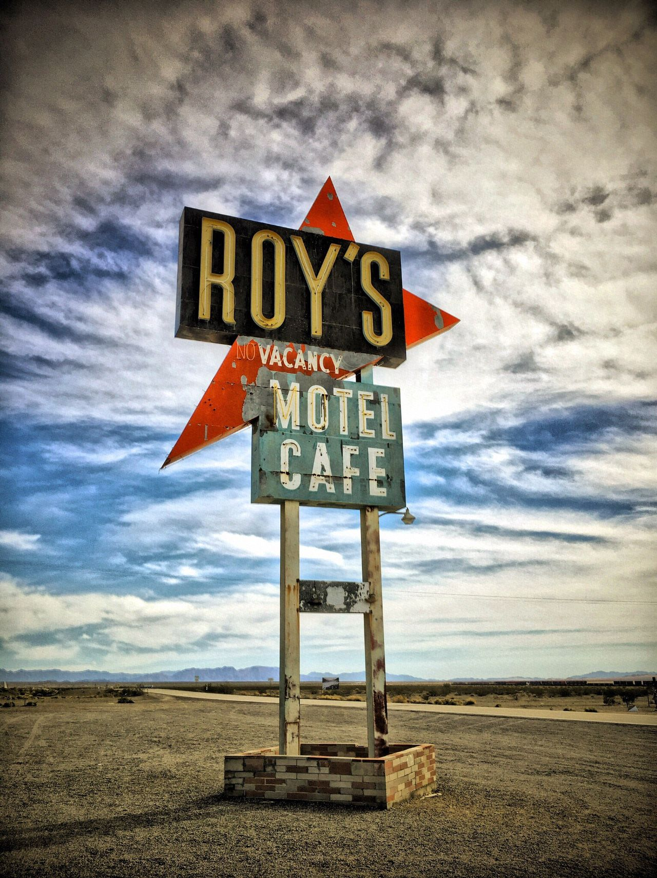 Roy's Cafe Cloud - Sky Road Sign Roys Cafe In Amboy Route 66 Diner Roadside America Roadside Diner Abandoned Places Highway Backroads