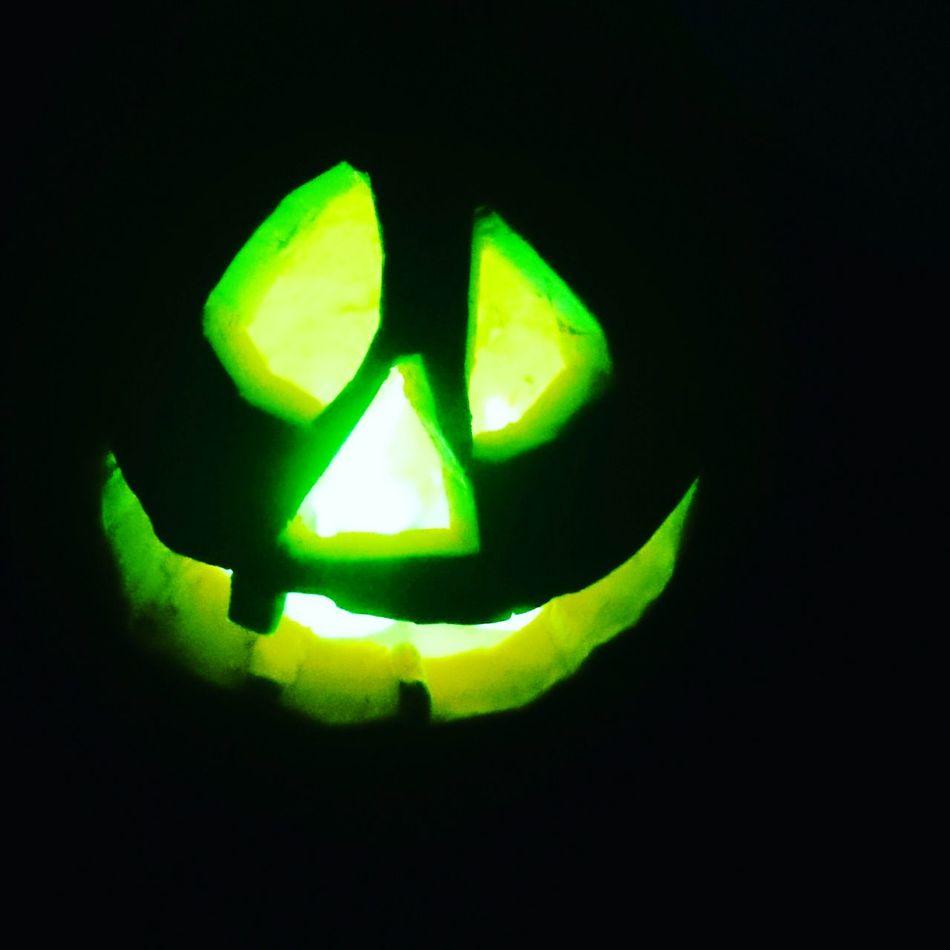 Hallwoeen pumkin Halloween2015 Halloween Horrors Handmade By Me Halloween Party Halloween Hallwoeen Pumpkin Carving Lights Pumpkin Pumkins Pumkinpicking🎃