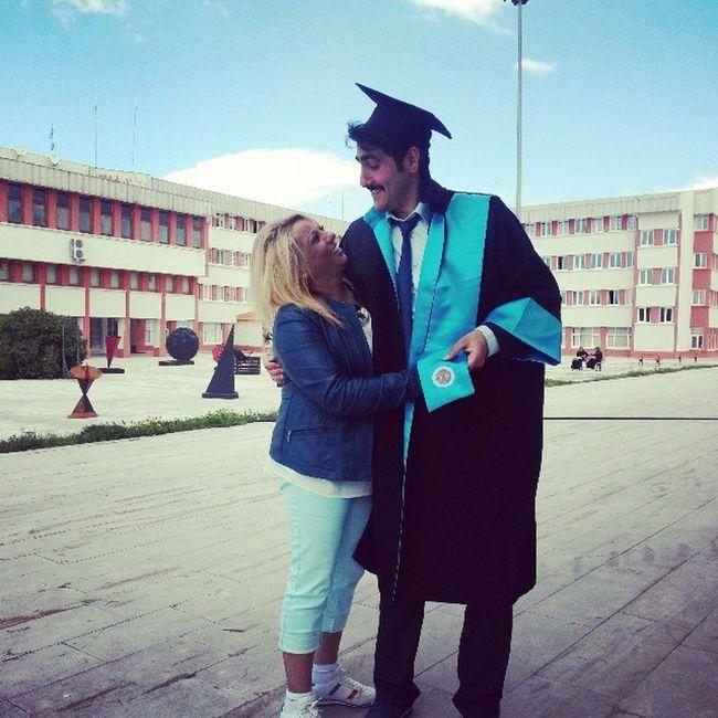 Ana Ogul Kep Cübbe mezuniyet AtatürkÜniversitesi MimarlıkveTasarım Fakültesi