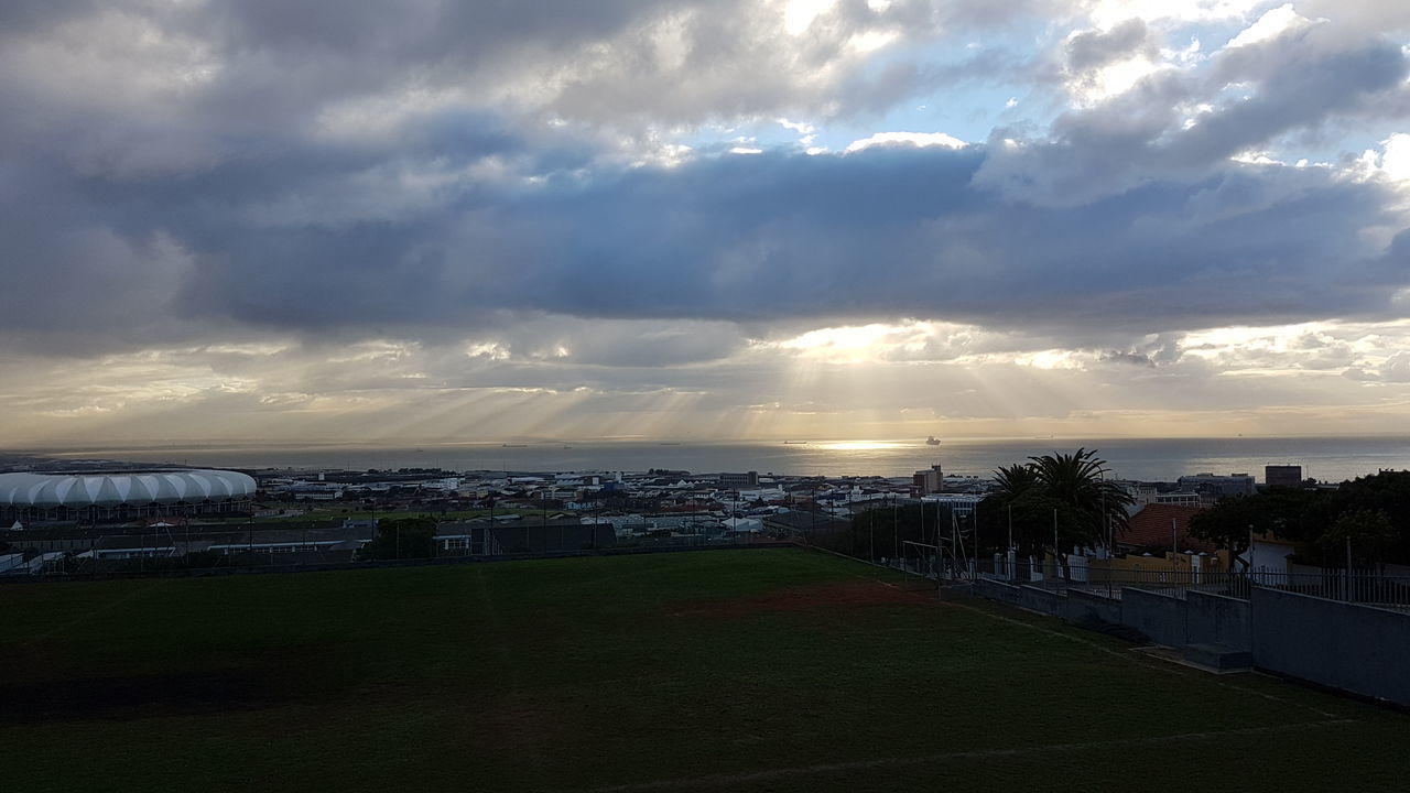 The sun breaking through the clouds always produces magnificent views as evidence of the handiwork of the Creator of the universe. This gives mankind no excuse even if we choose to deny His evidence. Mankind loves darkness because the light exposes their evil deeds. Post tenebras lux! Beauty In Creation  Evidence ! Port Elizabeth, South Africa 🇿🇦 Sunrise Over South Africa 🇿🇦😊 Post Tenebras Lux After Darkness, Light Break The Mould Exploring South Africa Sunrise Over Africa 🇿🇦🌝🌞 Capture The Moment South Africa 🇿🇦 The Great Outdoors - 2017 EyeEm Awards The Great Outdoors Place Of Heart