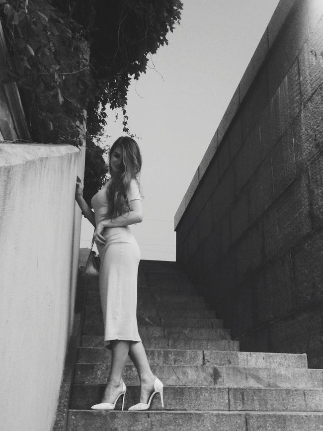 Вредная и непокорная Summertime Summer Streetphotography IPhoneography Light And Shadow Blackandwhite Black And White Monochrome Russian Girl Streetphoto_bw