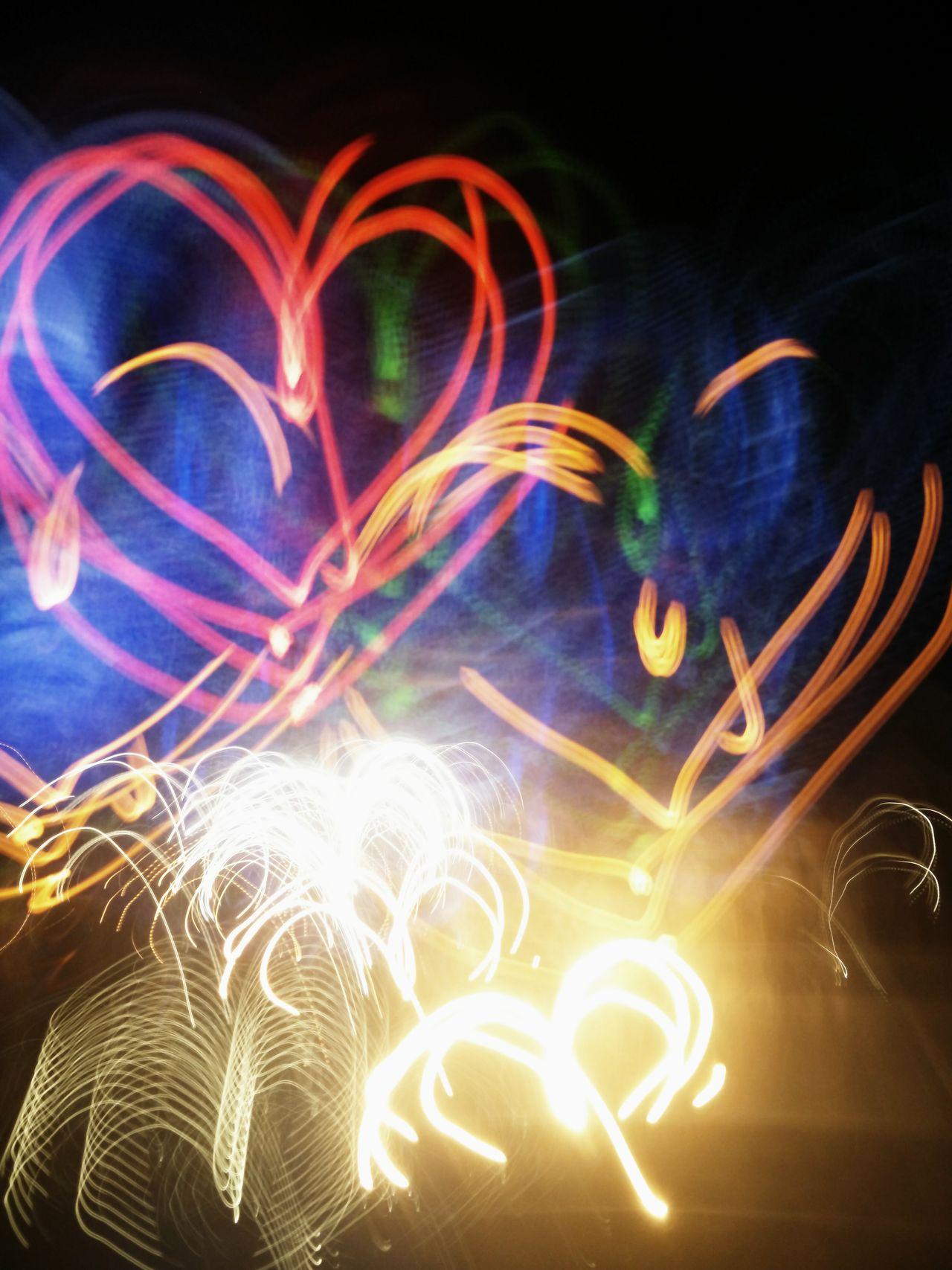 Showcase March Q Light Drawing Neon Lights Heartshape Rainbow Colors Multiple Layers Fun Photo Enjoying The Moment Life Is Simple Full Of Joy Original Photo