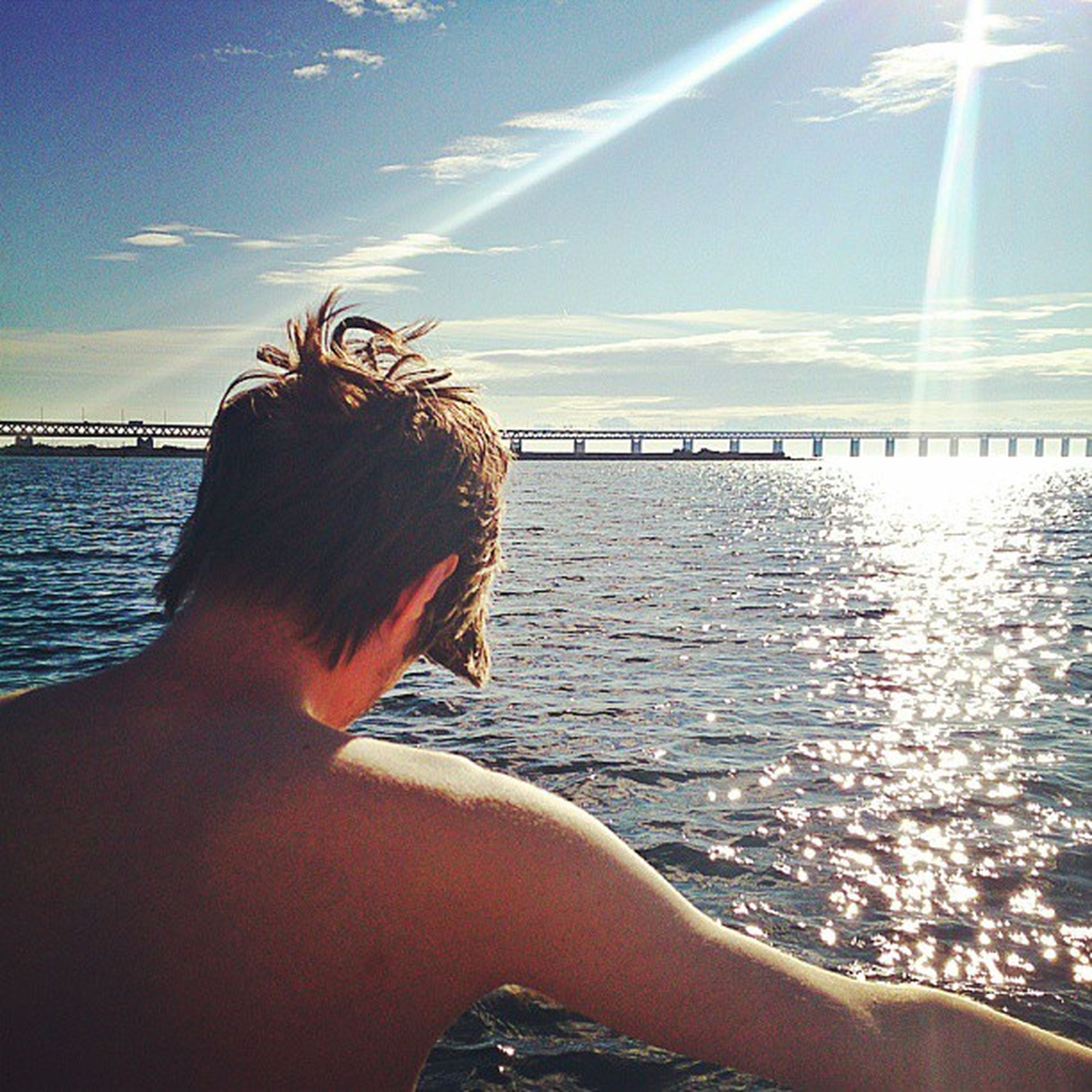 Firar Aston villas seger med bad i havet, friskt vatten måste nog vara bästa medicinen mot bakiskaos. Tack vattnet!