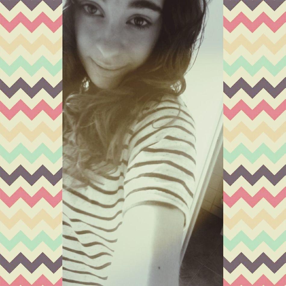 Le sourire peut cacher tellement de choses Smile ✌ Just Smile ✌