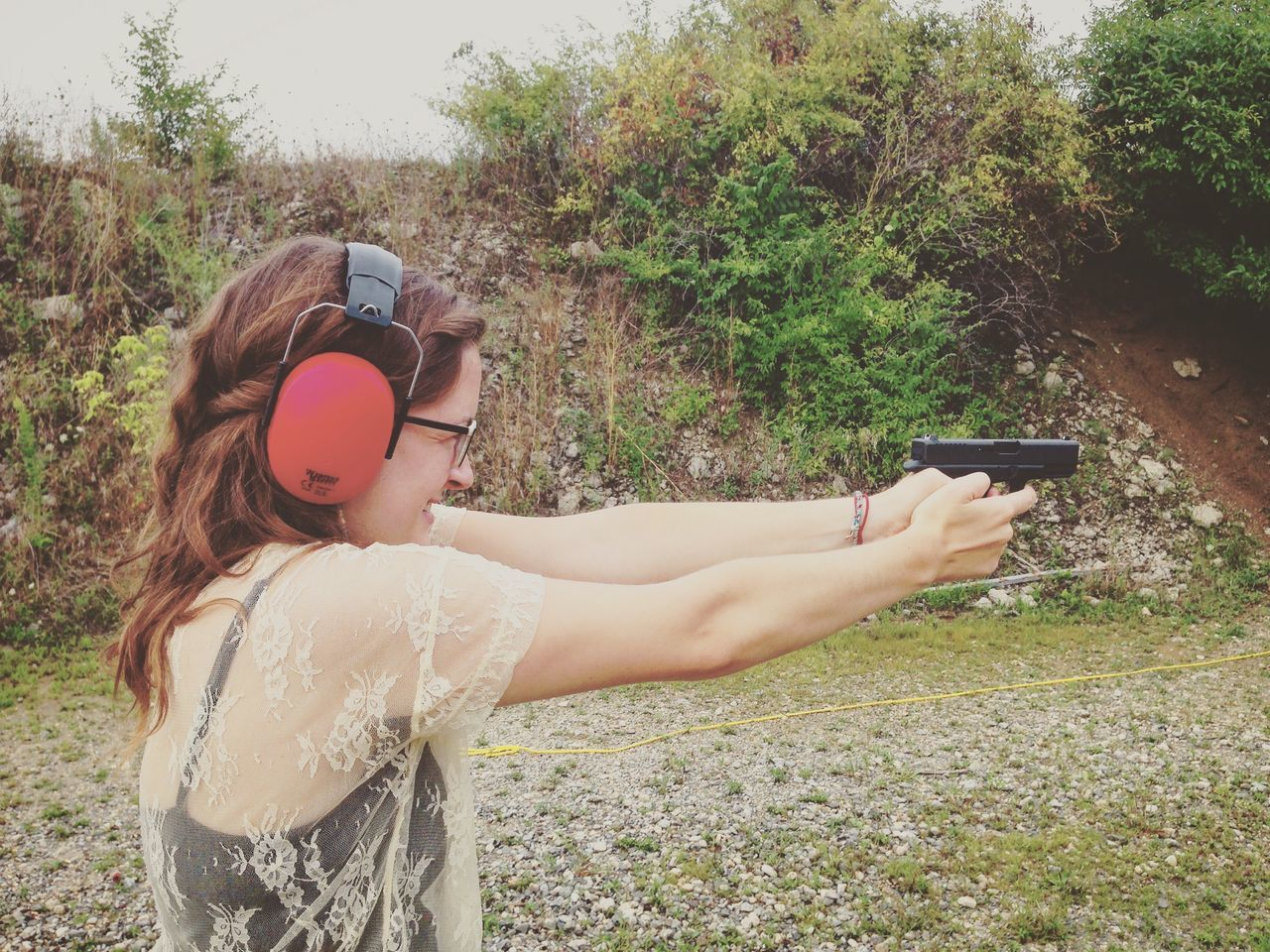 Gunsafe Gunsafety Indoors  Protection ReadyAim Stance Stans Woman