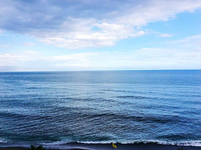 El Mar y yo Sea Blue Sky Scenics Nature Tranquil Scene Beauty In Nature Horizon Over Water Water Beach Tranquility Cloud - Sky First Eyeem Photo