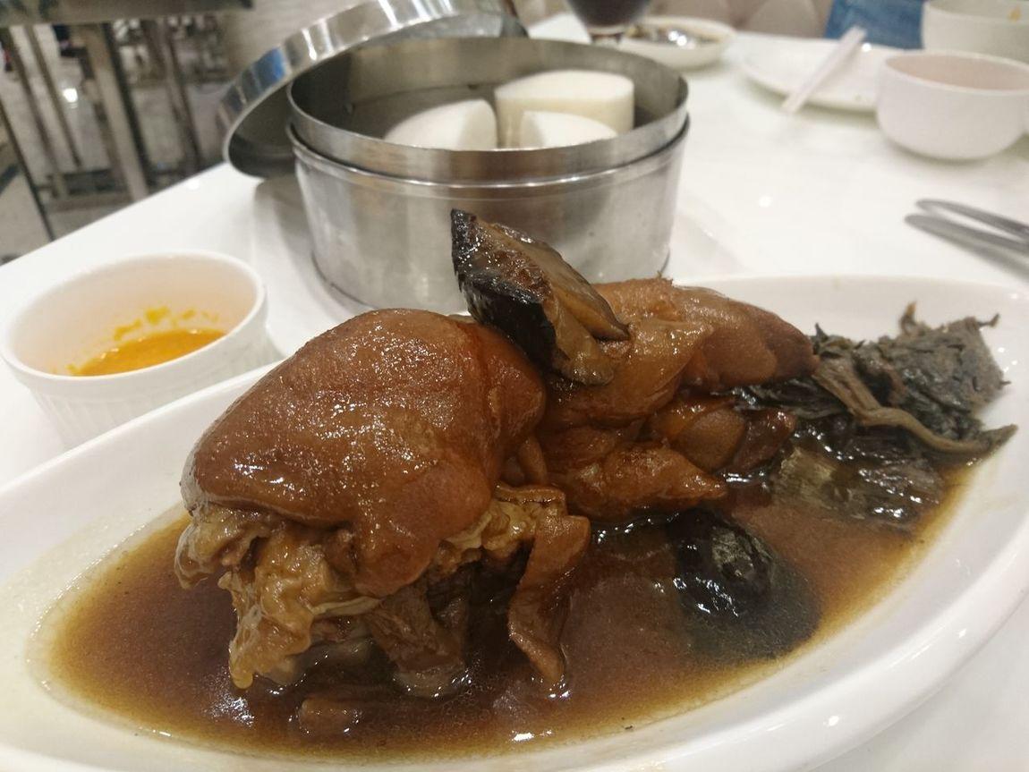 Steam pork leg ,chinese food Steamed Pork Stewed Pork Leg Bun Food Chinese Food Delicious Fat China Dinner Time