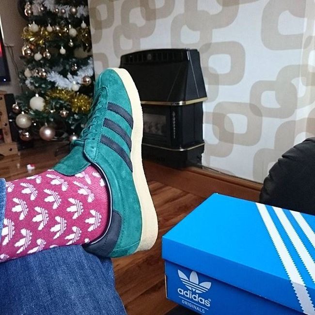Happy Christmas to all my followers have a good one here's to a new year and many more blue boxes. Adidaschristmas