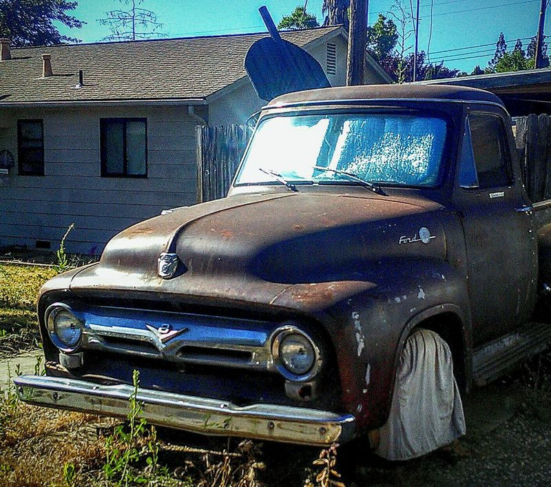 Truck Eye4photography  Taking Photos ❤ Mein Automoment My Photography Ford Truck Ford Vintage Truck Classic Truck Classic Auto Portrait Automotive Photography Parked Cars Ford F100 Ford F100 Pickup Truck