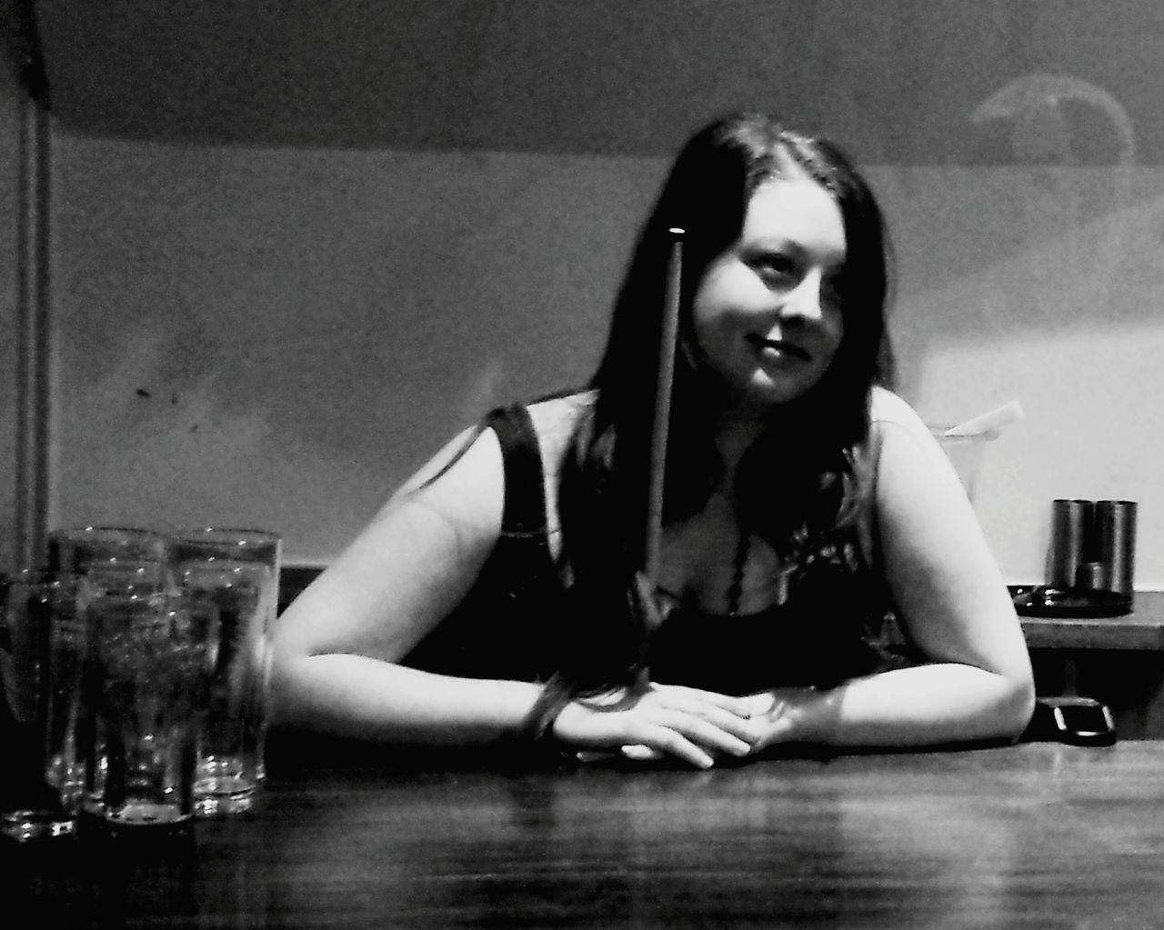 Bar keep xxxxxxx Nefilian Xxxxxxx Barmaid Pub Pool X