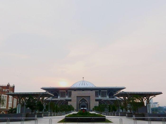 Putrajaya Al-mizan Mosque Building Check This Out Hello World Phoneography EyeEm Malaysia Beautiful Day