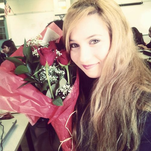 Wasn't expecting this :3 Valentinesday Likeback Me Teamfollowbackalways Flowers Beautiful Happy Love Smile School Cute Pretty Like Present Followback Follow TeamFollowBack