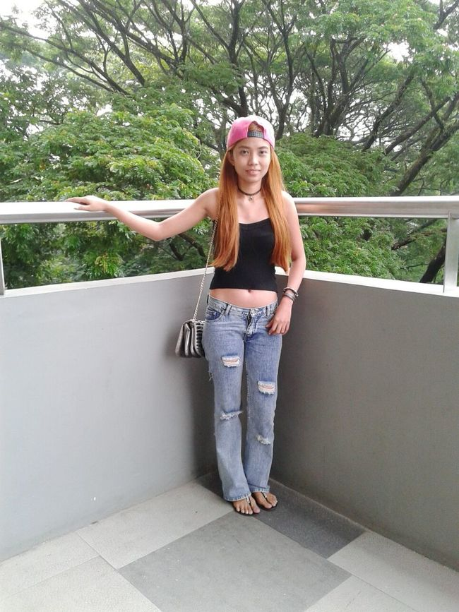 Hi! Its Me Ootd Wearing Hat CropTop Distressed Jeans Casual Look Casual Day Casualstyle Casual Clothing Simplicity Long Hair New Hair Color :) Blondes Have More Fun Simply Stunning Simple Things Are The Best  Just Chillin' Selfie ✌ Women Of EyeEm Filipina