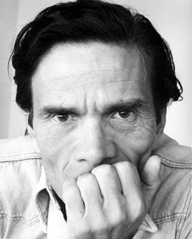 """La morte non è nel non poter comunicare, ma nel non poter più essere compresi"" (Death is not about not being able to communicate, but consists in not being able to be understood). • In memory of Pier Paolo Pasolini, poet, writer, director (Bologna, 5 marzo 1922 – Roma, 2 novembre 1975). Poetry Poet Cinema Art Justice Pasolini Pier Paolo Pasolini"