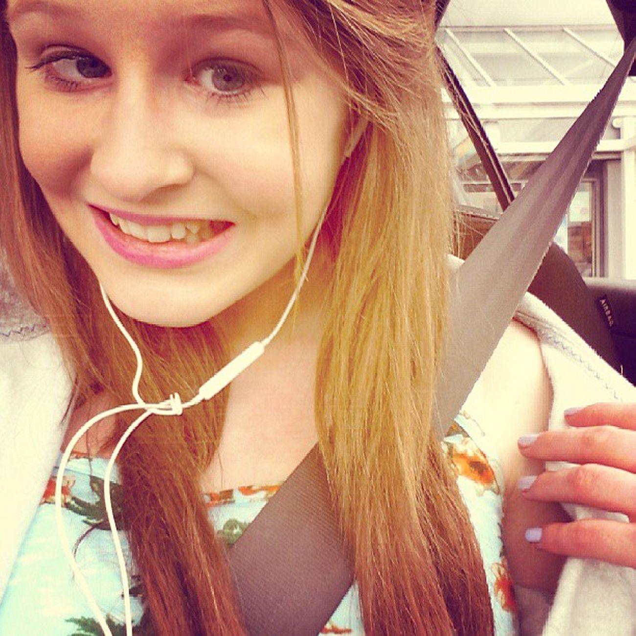 Blond Selfi Vainer Car seatbelt pinklips makeup girl random dabom gooday mwahh march colour