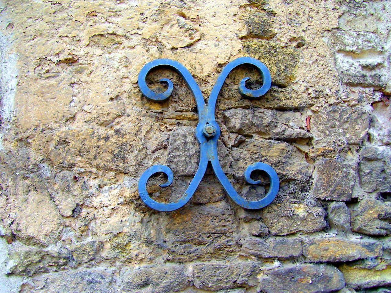 Architecture Built Structure Close-up Curly Cue Day Freshness Metal No People Outdoors Rough Textured  Wrought Iron X Shaped