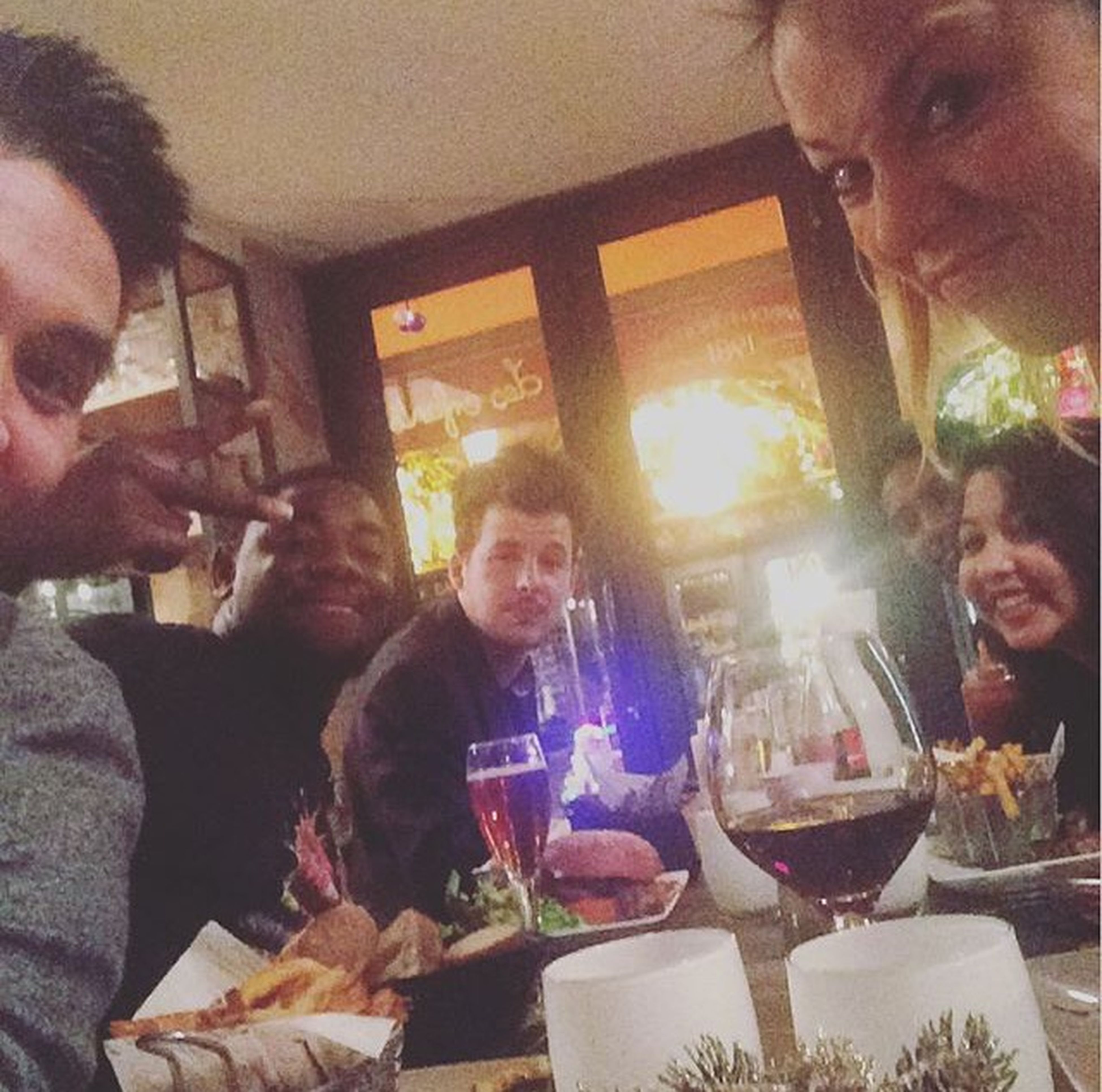 Mes amis, ma famille. Friends Eating Enjoying Life Happy