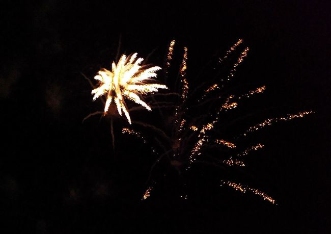 Eyeem Philippines Spectacular_sky Rising Sparks Watching Fireworks