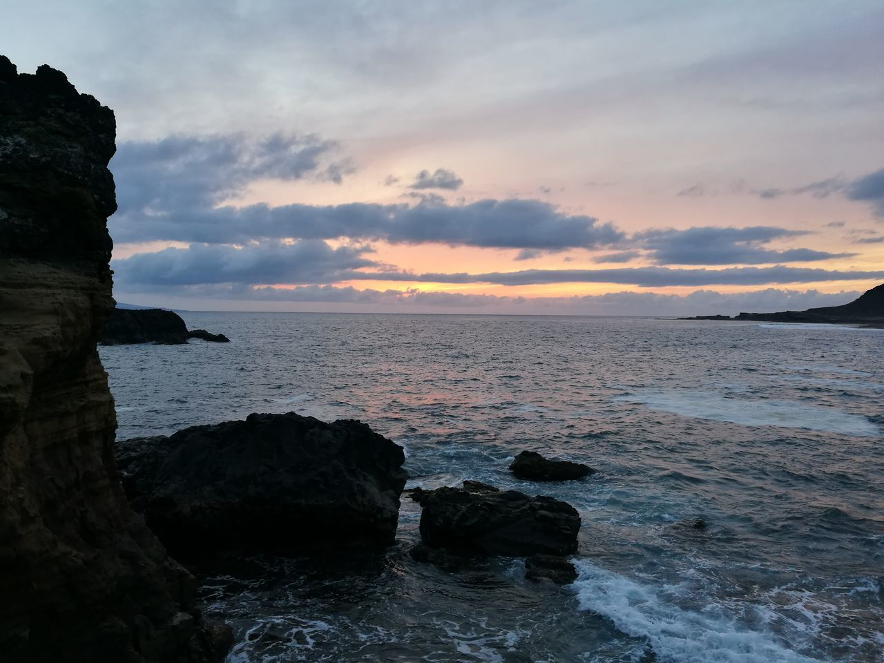 sea, water, nature, beauty in nature, scenics, sunset, rock - object, sky, tranquil scene, tranquility, horizon over water, outdoors, no people, day