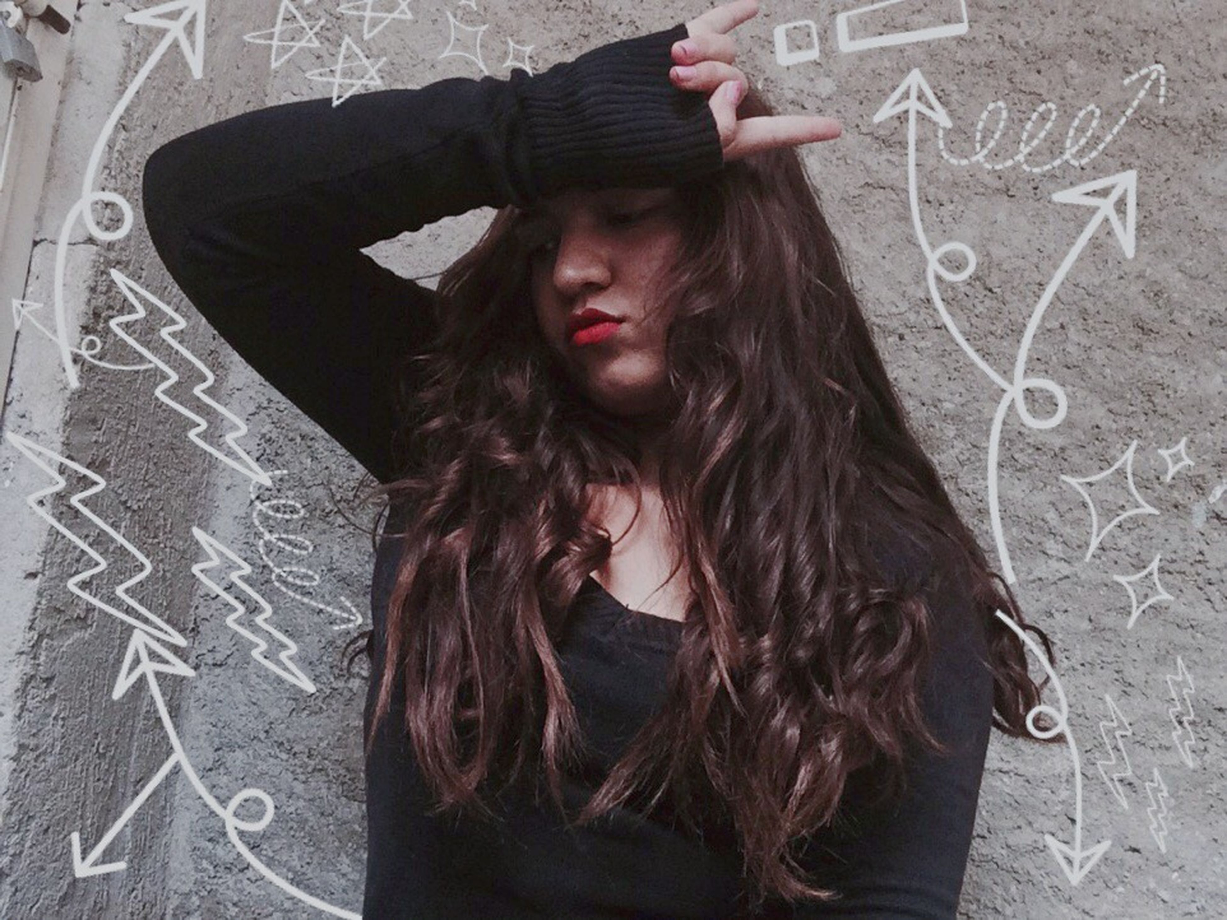 long hair, young adult, young women, person, casual clothing, leisure activity, lifestyles, front view, beauty, outdoors, red, beautiful people