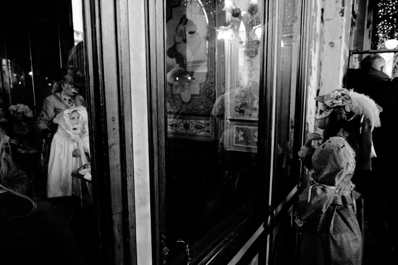 Carnival Seethrough Venice Venedig Venise Reflection Carnaval Venise Venezia Venice Carnaval2016 Carnival 2016 Blackandwhite Photography Reflection_collection Mask Venice Carnivale Venezia Venice, Italy Creative Photography Comédia Art Gallery Venice Carnival Original Photography CreativePhotographer Impressionism Colors Of Carnival Carnival2016 caffe cafè