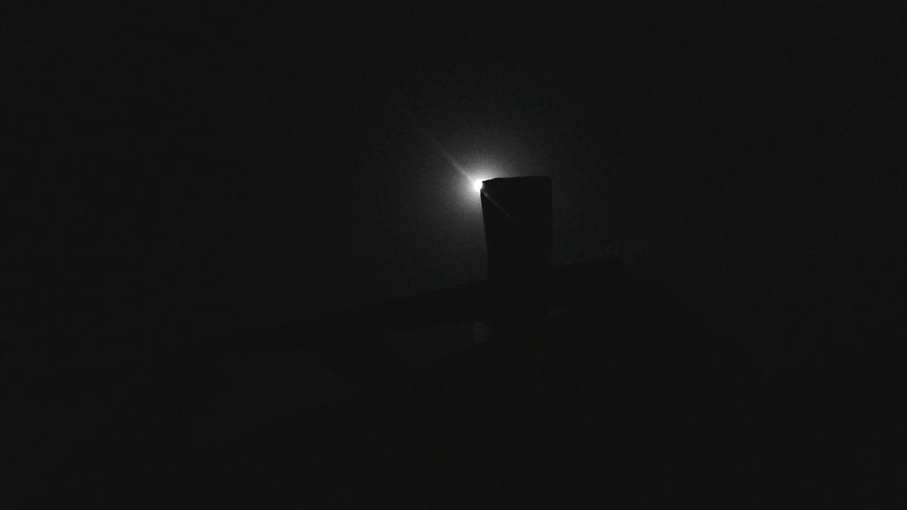 dark, illuminated, night, copy space, darkroom, no people, silhouette, indoors, black background, close-up