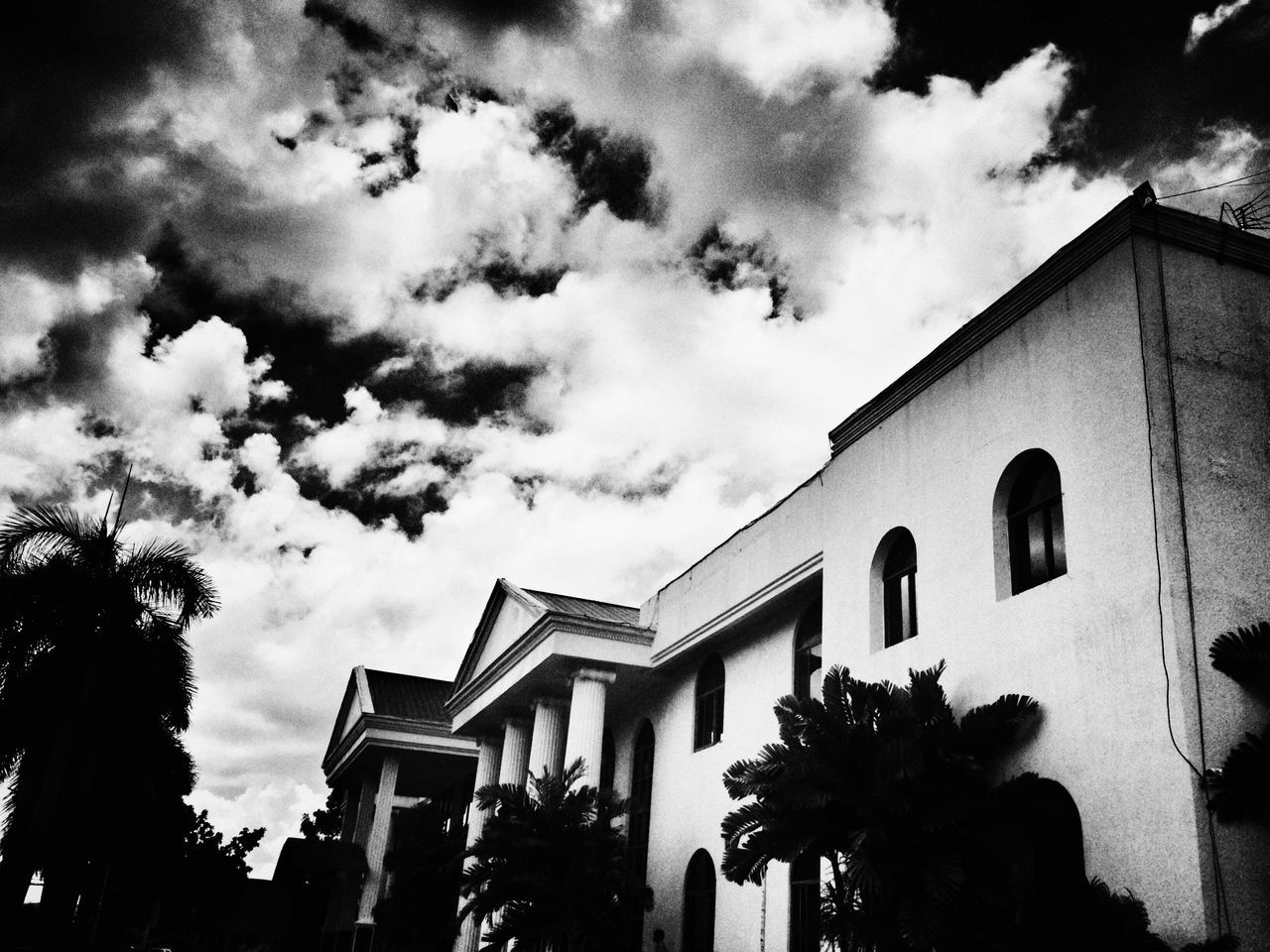 #B&W #capitol #melancholy Amateur Photography Amateurphotography Architecture Building Exterior Built Structure Cloud - Sky Cloudy Cloudy Sky Dark Skies Day Eyeemdale Filtered Filtered Image Filtered Photo Low Angle View Mobile Photographer Mobilephotography New No People Outdoors PPS New Capitol Building Sky