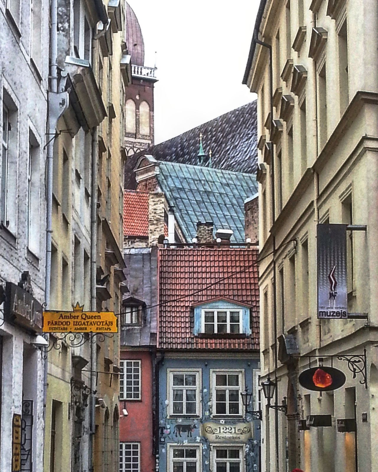 Lithuania Architecture Architecture_collection Architectural Detail Architecturelovers Architectureporn Building Roof Rooftops Sky Old Latvia Riga Iphoneonly Iphonesia Old Buildings Old-fashioned Old Town
