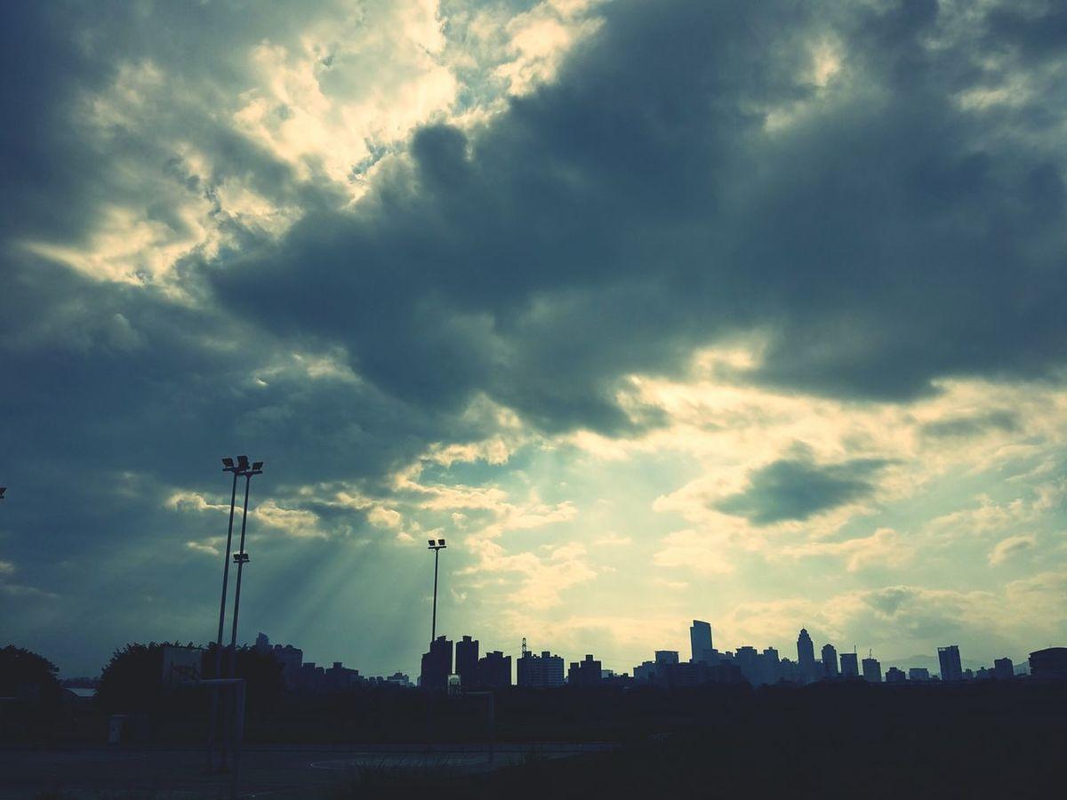 Sky 天空 耶穌光 Clouds