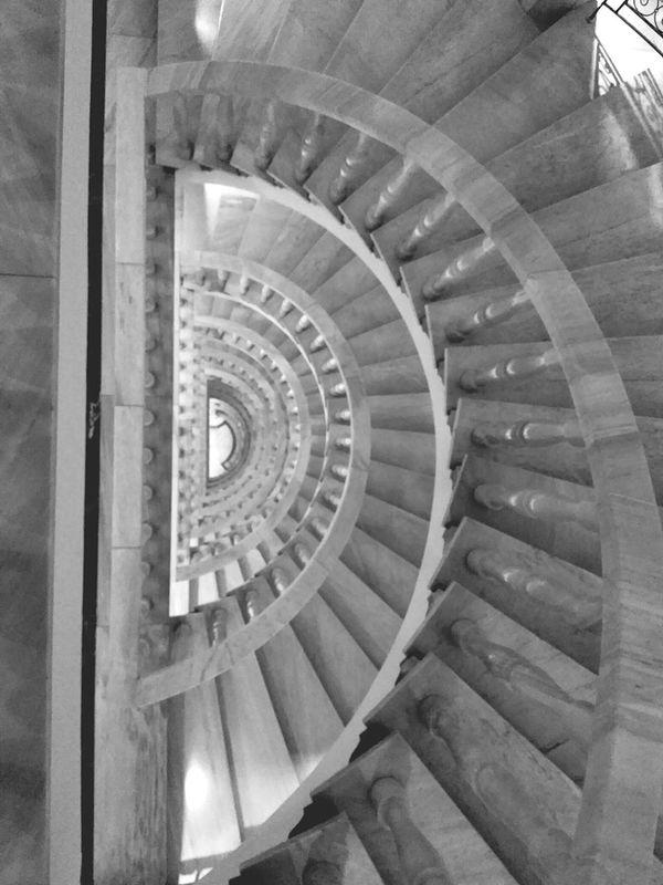 Escalera Upstairs Blanco Y Negro Blanck And White