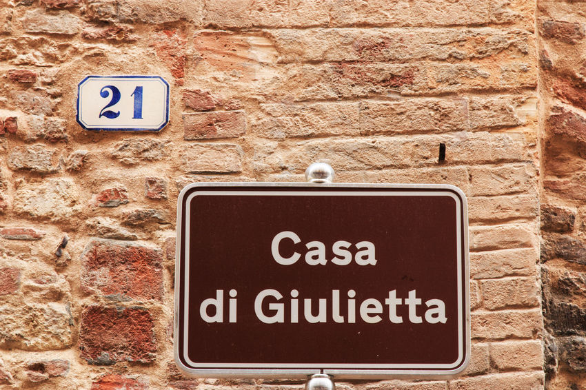 Juliet's house street sign in Verona - Italy Arena City Close-up Coluseum Communication Day Information Sign Italy No Smoking Sign Outdoors Romeo And Juliet Sign Sign Board Signboard Symbol Text Verona Western Script