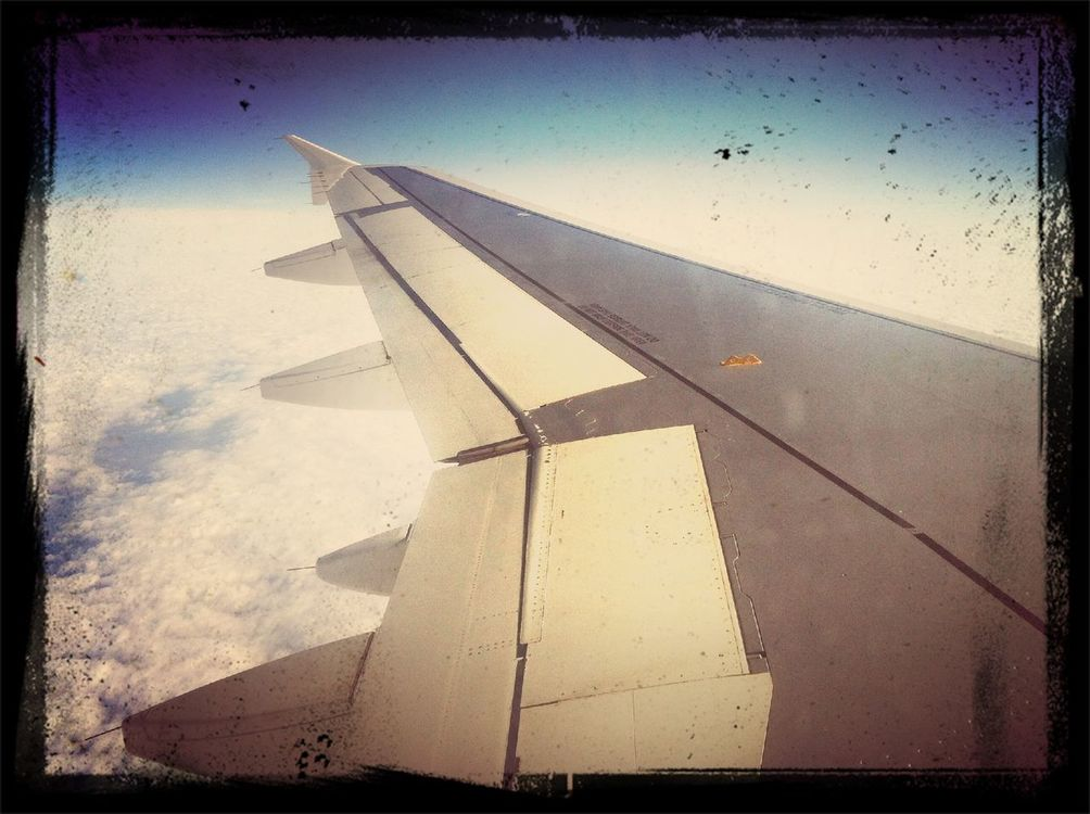 flying at I'm on a plane by BASCHTI