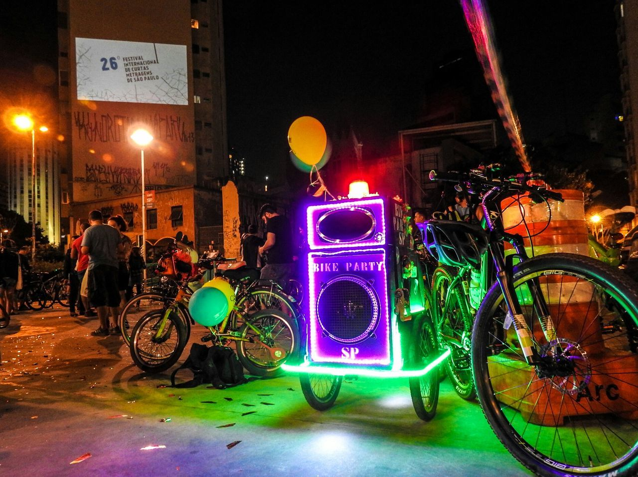 Bike Party SP at 26th São Paulo Short Film Festival. Bicycles Soundsystem Cinema Free Culture Music Dance Celebrate Your Ride