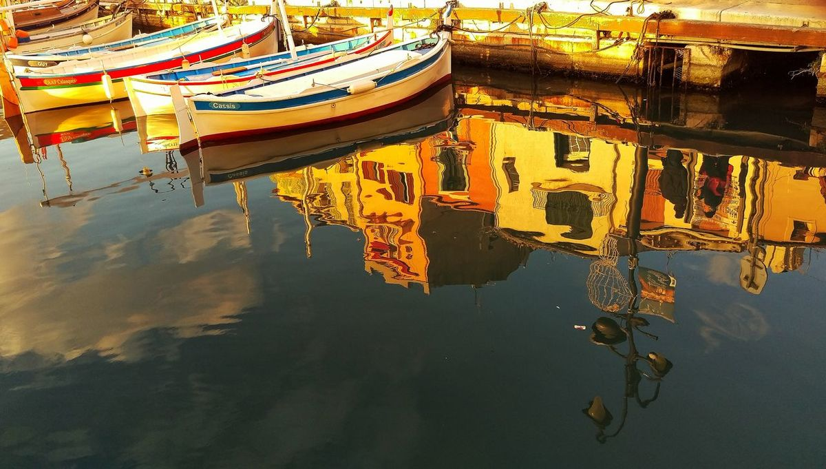 Port Port Cassis Boat Water Reflections Colors Wayoflife