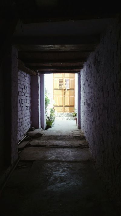 Passageway Passage Main Entrance Old House Brick Wall Tunnel Vision Light Eye For Photography Eyem Gallery Old Architecture Wooden Ceiling Broken