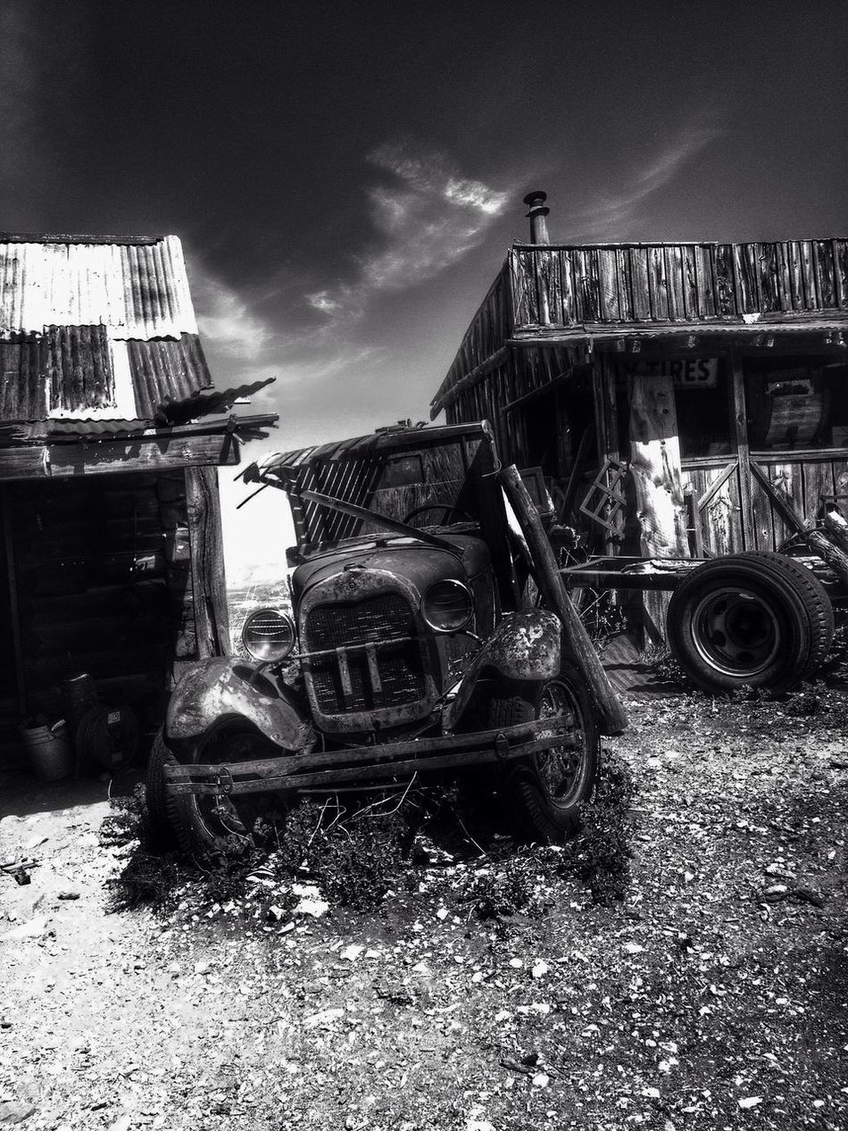 Scenic Abstractions Light And Shadow EyeEm Exploring Architecture Vintage Rustic Ghost Town Blackandwhitephotography Black & White
