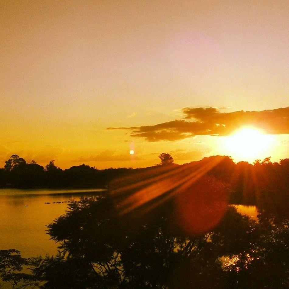 Pôr-do-sol pantaneiro Ufms