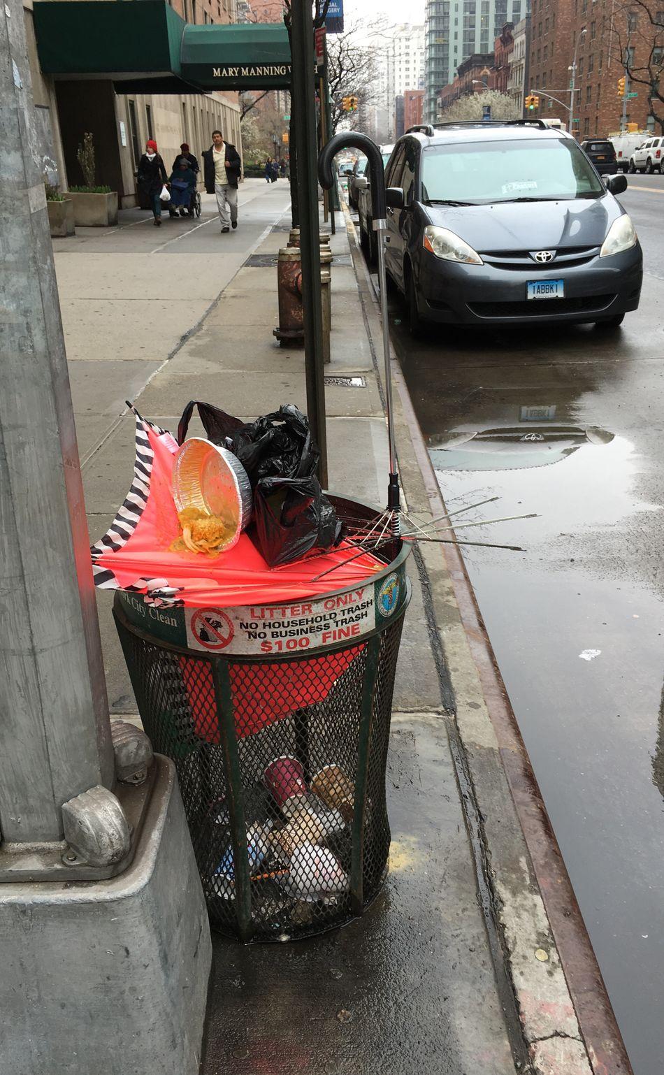 Monday's New York City Trashcan Urban Manhattan Streetphotography Tadaa Community