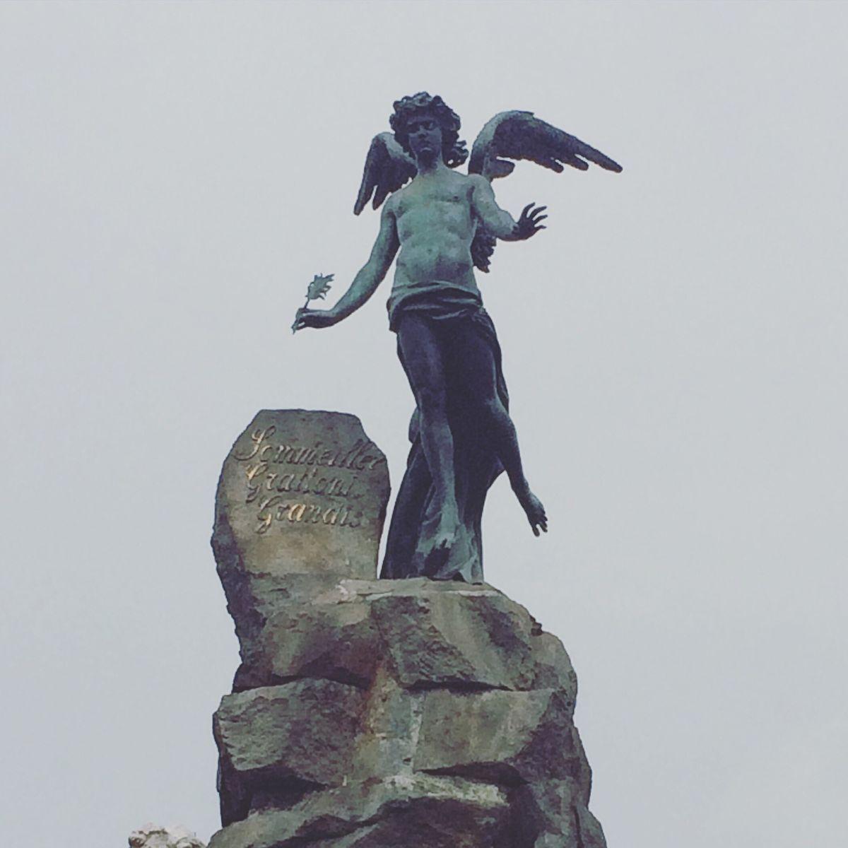 Hello Lucifer, we meet again. 😝 (Frejus fountain) Frejusfountain Piazzastatuto