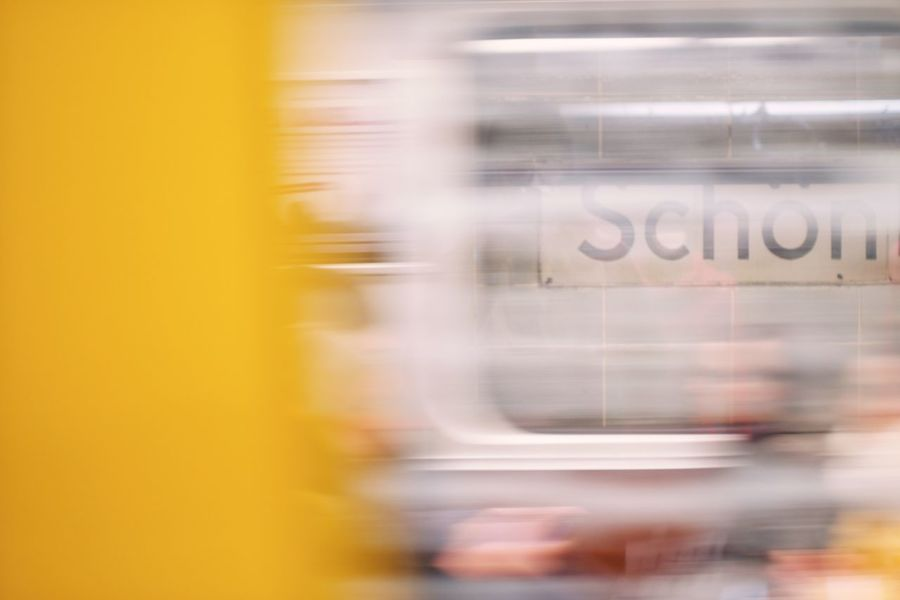 Berlin – du bist schön! Berlin Berlin Photography Blurred Motion Bvg BVG - Berliner Verkehrsgesellschaft Bvgdriveby Schön Subway People Subway Station Subway Train Subwayphotography Ubahn Weilwirdichlieben EyeEmNewHere Paint The Town Yellow