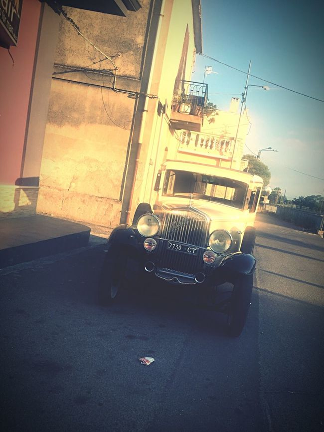 Car Old Car Bonnie&Clyde Mafia  Street Road Parked Italy IPhone Photography