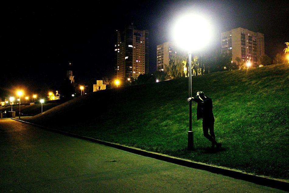 эти дни без твоих глаз - пустые, не хочу проводить их ни с кем, мне с тобою бы только рядом и, желательно, насовсем. Love My Boy Love Sity Nightphotography Photo Leto Photo Sammer Magic Green Beautiful Boy And Girl Boy